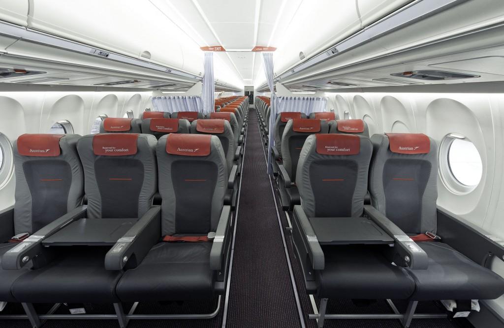 Fokker Kabine von Austrian Airlines in der Konfiguration 3-2